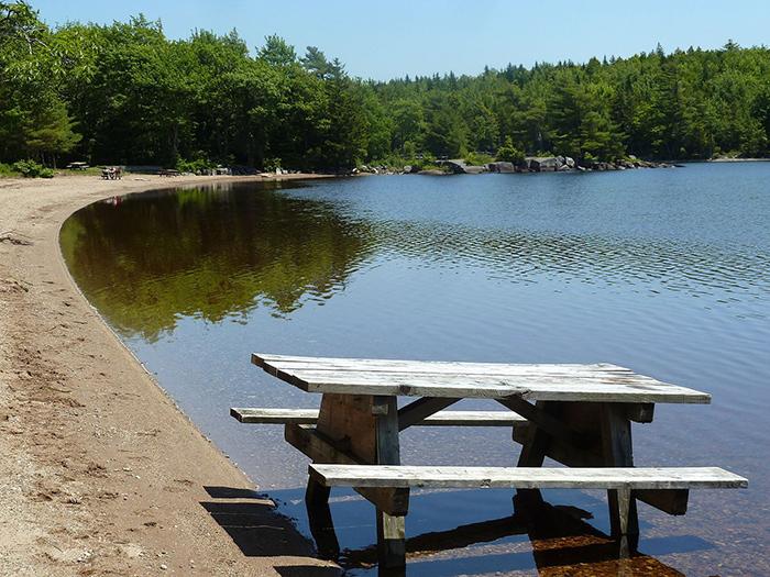 Dollar_Lake_Provincial_Park-wikimedia