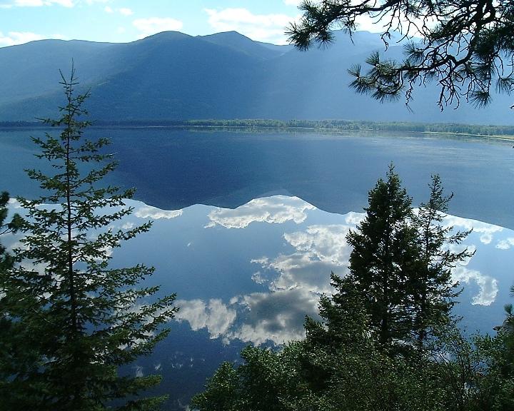 Kootenay_reflection-Wikimedia